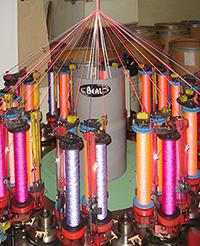 Maschinelle Herstellung eines Kletterseils von Beal