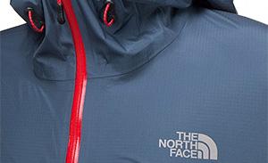 Detail einer klassischen The North Face Hardshell mit Wetterschutzmembran