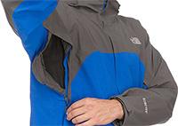 Eine besonders großzügige Belüftungsmöglichkeit bietet diese Jacke von The North Face