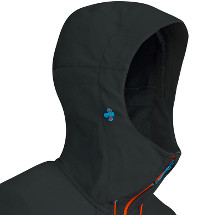 Typische Softshell in innovativer Form: Das Gipfelgrat Light Jacket von Mammut